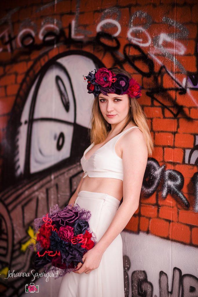 Alice Marty Fleuriste mariage Albi Toulouse Bouquet et couronne mariée rouge bordeaux marine violet