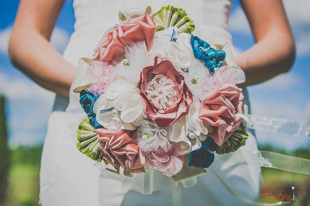 Bouquet mariée Albi Alice Marty Fleuriste textile Bouquet tissu rose vert olive bleu turquoise ivoire dentelle