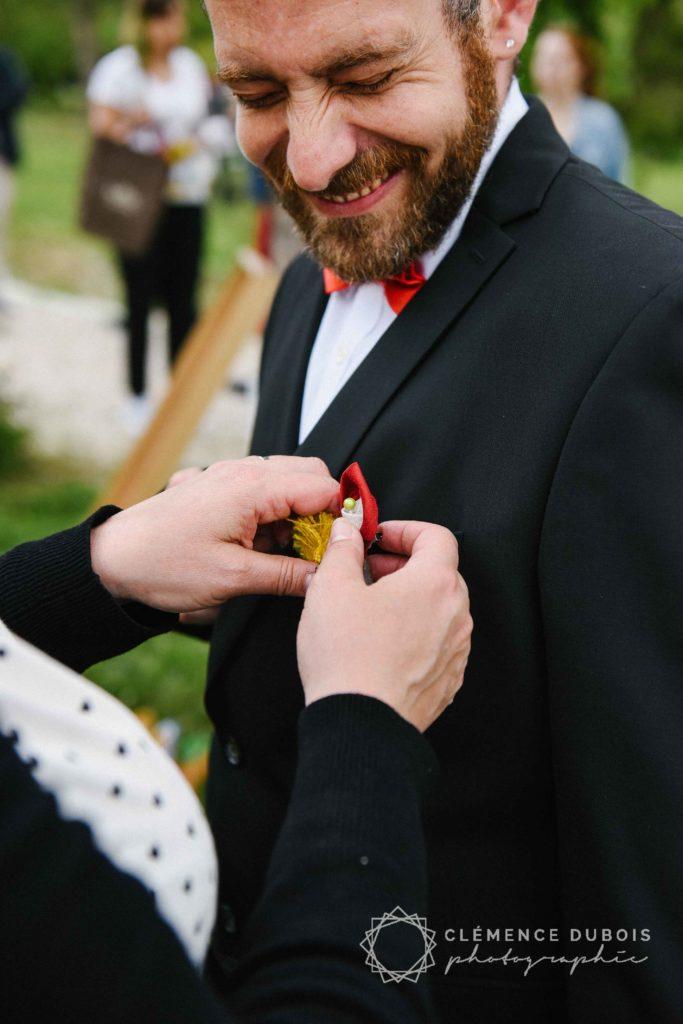 Mariage Albi Alice Marty Fleuriste mariage boutonnière marié rouge jaune vert