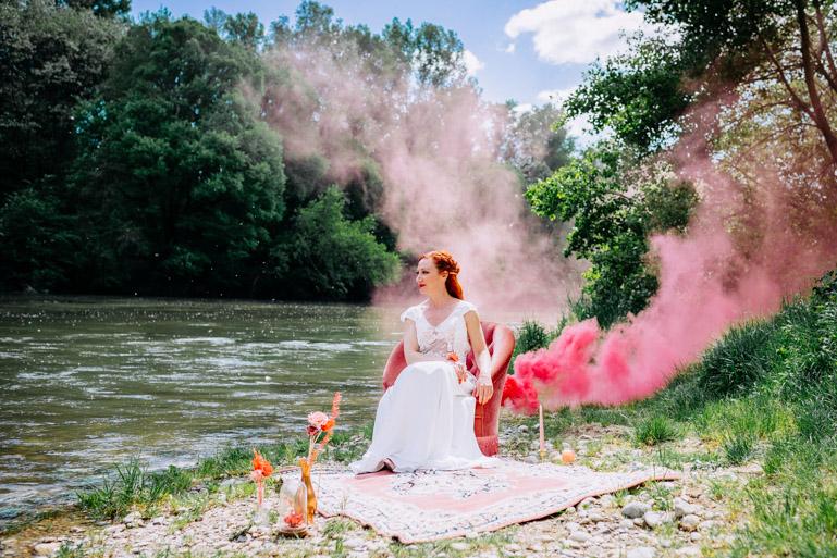 Mariée fumigène rose Alice Marty Accessoires mariage Toulouse Albi Bordeaux
