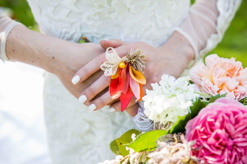 Bague mariée couleurs vives Accessoires mariage Alice Marty Toulouse Albi Bordeaux