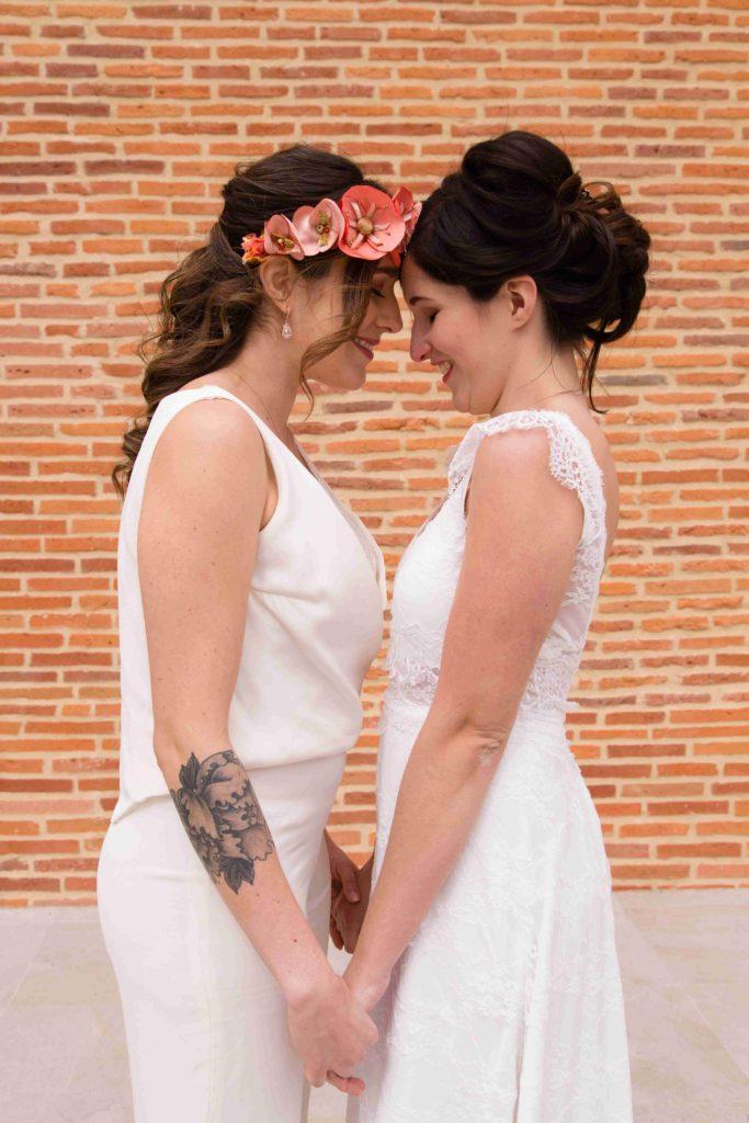 Mariage lesbien Corail et or Alice Marty Accessoires mariage Albi Toulouse Bordeaux
