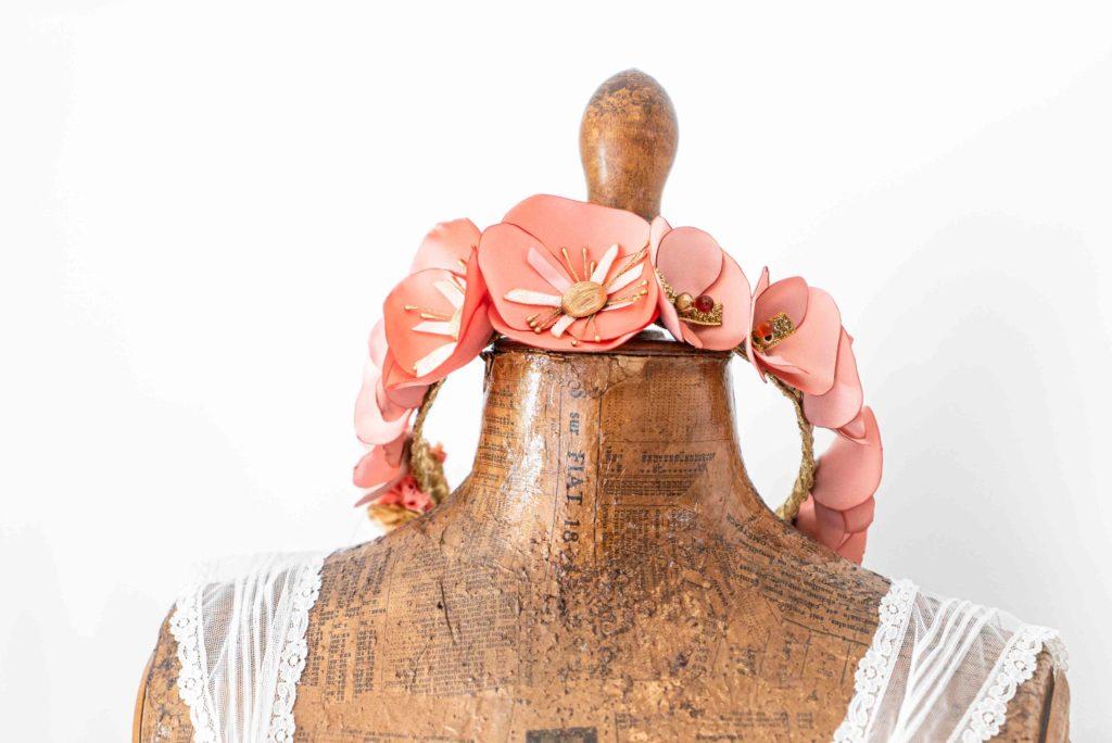 Couronne de fleurs corail Alice Marty Créatrice d'accessoires mariage Toulouse Albi