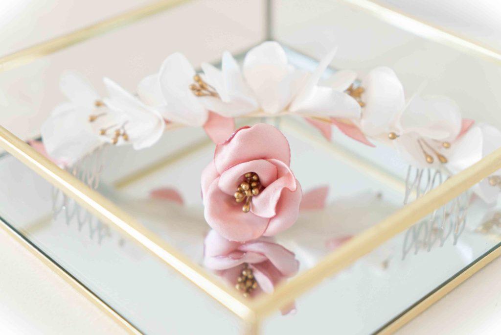 Double peigne fleuri Showroom Alice Marty Créatrice d'accessoires mariage Toulouse Albi
