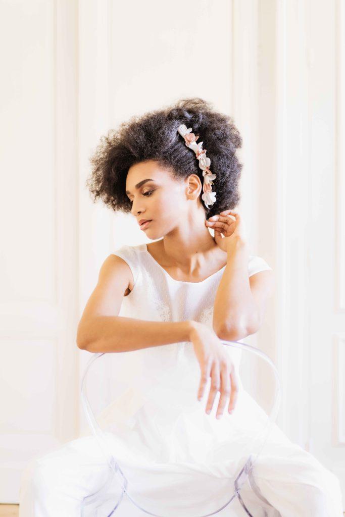 Alice Marty Créatrice d'accessoires mariage Double peigne fleuri ivoire et nude pistils or