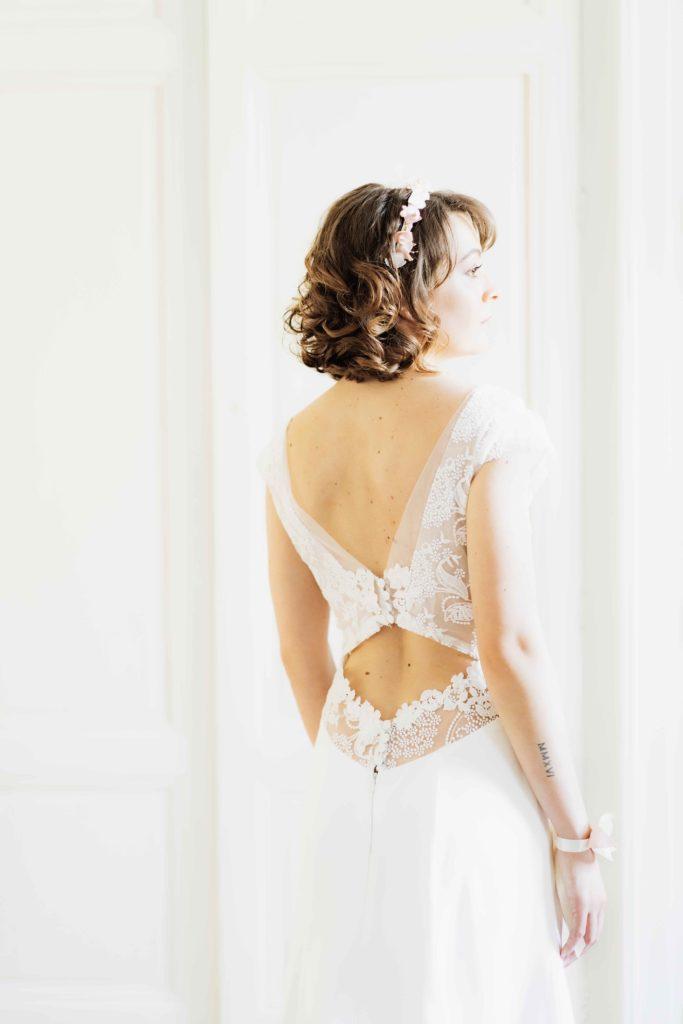 Alice Marty Créatrice d'accessoires mariage Couronne fleurie fine branches perlées