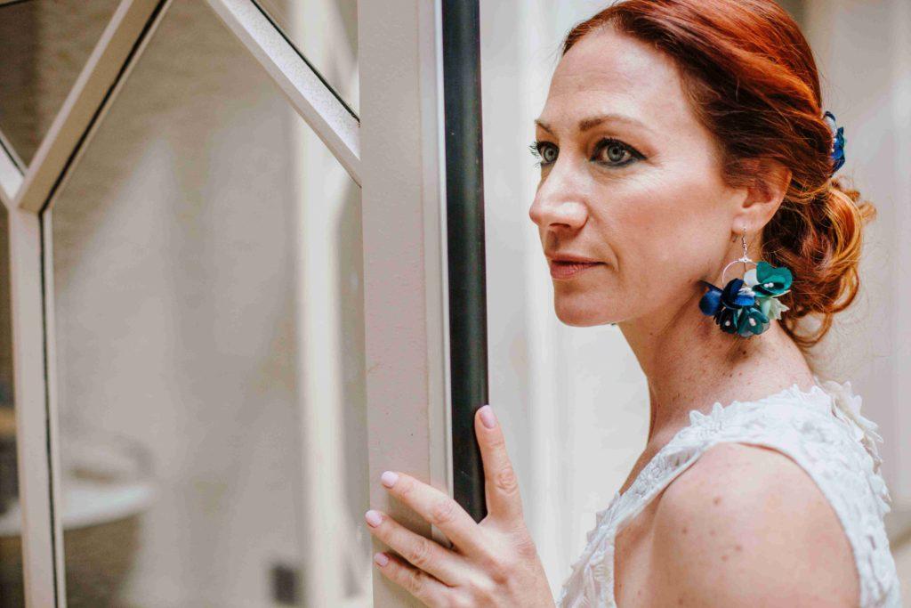 Alice Marty Couture florale mariage Boucles d'oreilles mariée oversize fleurs tissu