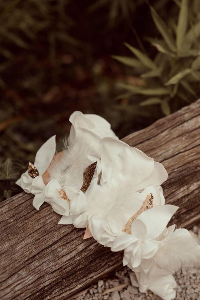 Bracelet de cheville mariée fleurs textiles Alice MARTY Couture Florale Accessoires mariage et jolis jours
