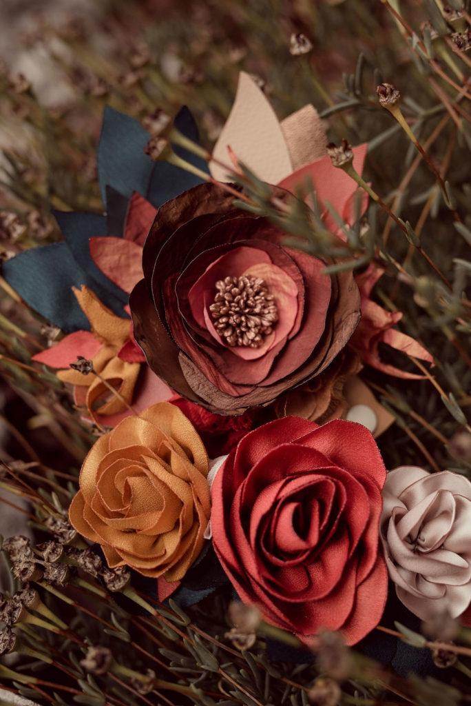 Ornement de chapeau fleurs textiles Alice MARTY Couture Florale Accessoires mariage et jolis jours