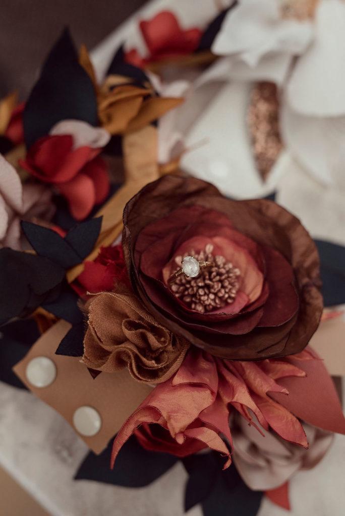 Bracelet de poignet fleurs textiles Alice MARTY Couture Florale Accessoires mariage et jolis jours