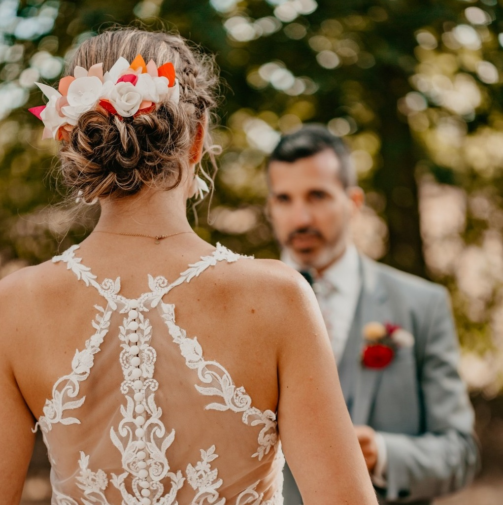 Peigne mariée fleurs textiles Alice MARTY Couture florale Artisan d'art Albi Toulouse Mariage