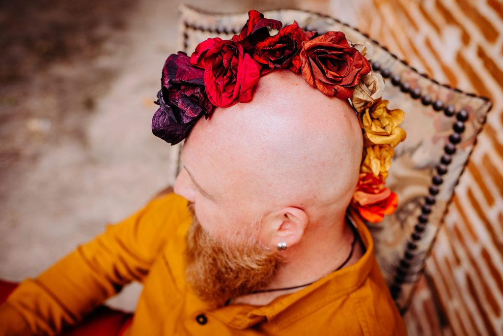 Shooting crête de fleurs couleurs d'automne Alice MARTY Couture florale Artisan d'art Albi Toulouse Mariage