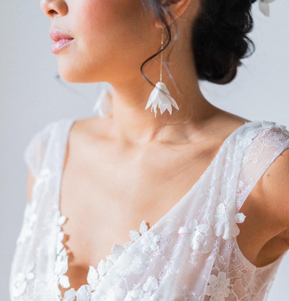 Boucles d'oreilles Amandine version longue Bijou floral Alice MARTY Créatrice d'accessoires