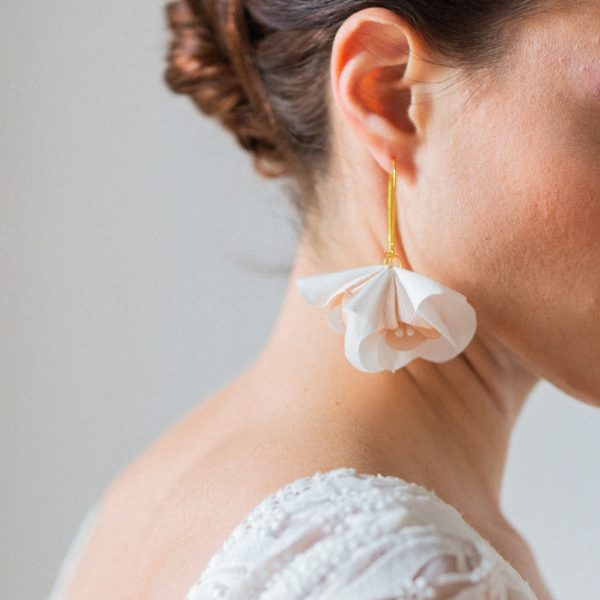 Boucles d'oreilles florales Eugénie Grande dormeuse Doucle fleur et pistils Accessoire collection mariage Alice Marty Albi Toulouse