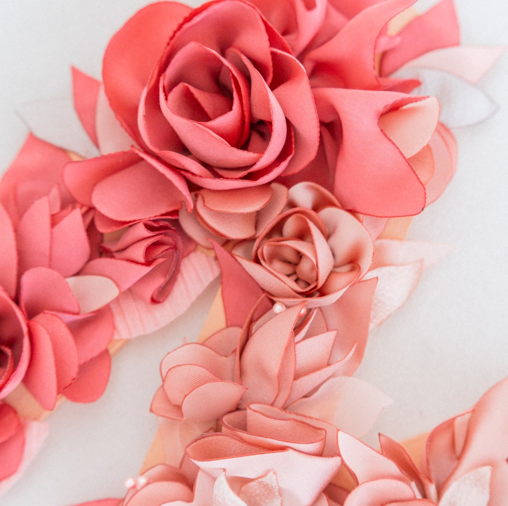 Lettre fleurie Alice MARTY Couture florale Accessoires mariage Toulouse Albi