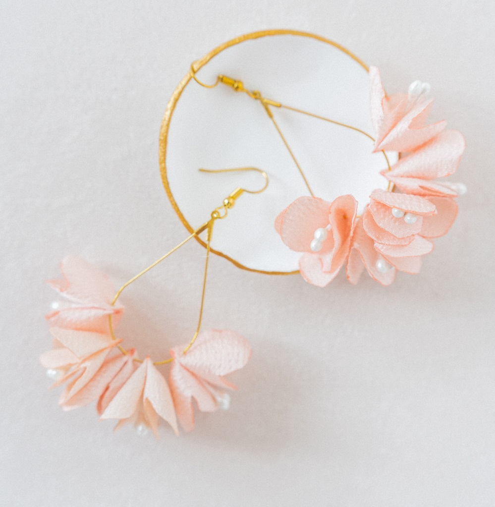 Boucles d'oreilles Adèle créoles gouttes fleuries Collection Glitter Alice Marty- Couture florale Accessoires mariage Albi Toulouse