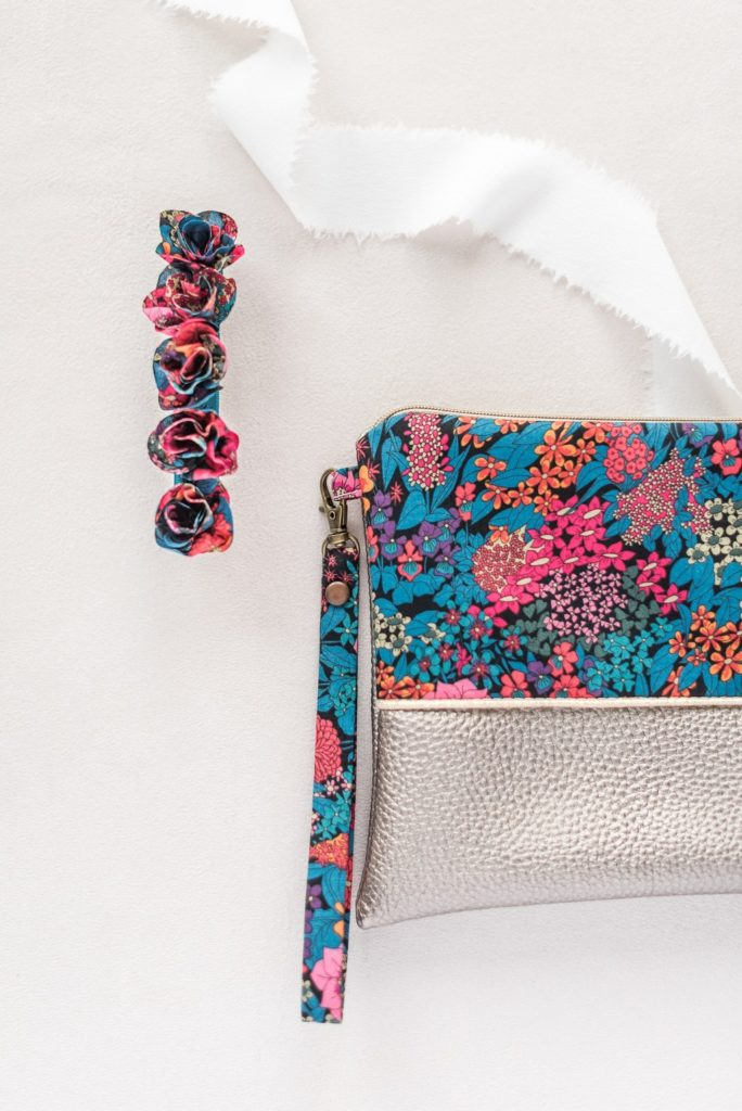 Barrette fleurie mariée ou civil Margaux - Alice MARTY Couture florale Collection Liberty