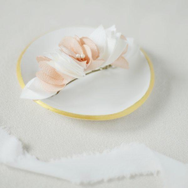 Barrette fleurie mariée ou civil Solène - Alice MARTY Couture florale