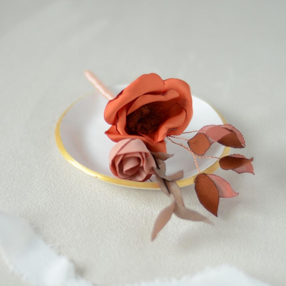 Boutonnière fleurie Gustave Alice Marty Couture Florale Accessoires mariage Albi Toulouse