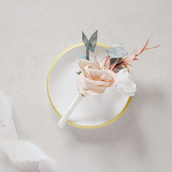 Boutonnière Fleurs textiles Modèle Gustave Alice Marty Couture Florale Accessoires mariage Albi Toulouse